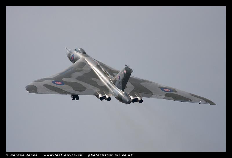 RAF Avro Vulcan B2 (XH558) - Take off photo