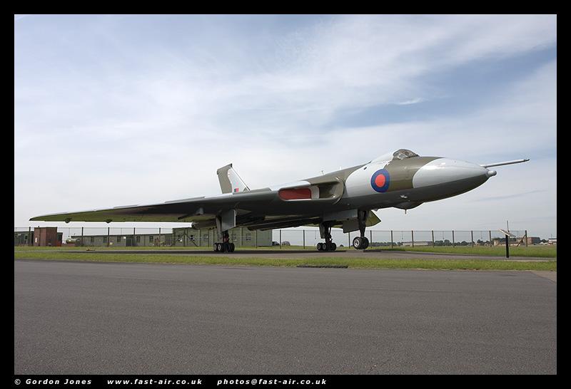 RAF Avro Vulcan XM607 HDR photo