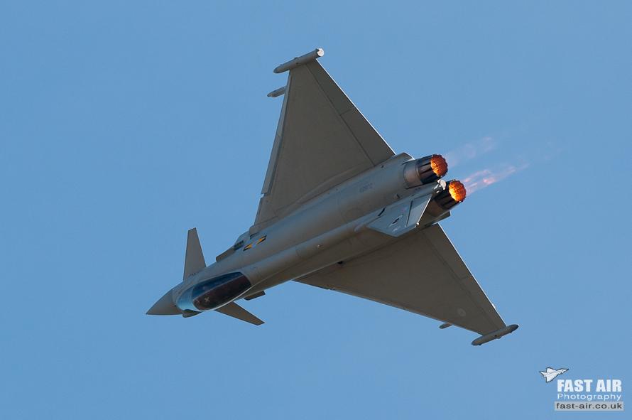 RAF Typhoon FGR4 ZJ923 display photo 08