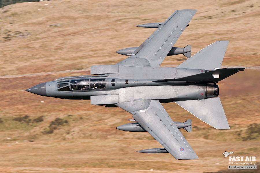 Pictures of low flying military aircraft 11