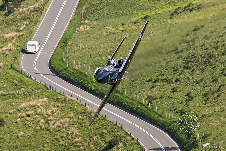 Pictures of low flying military aircraft 3