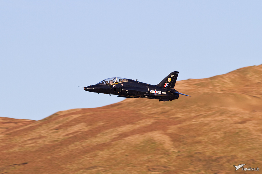 Pictures of low flying military aircraft 6