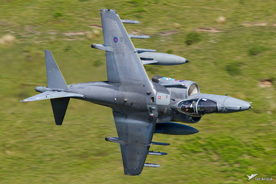Pictures of low flying military aircraft 8