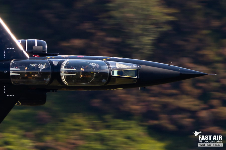 Pictures of low flying military aircraft 9